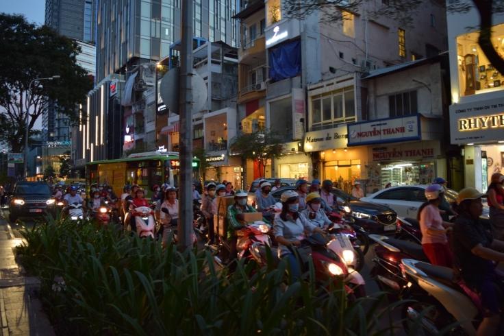 Mopeds_Saigon_02